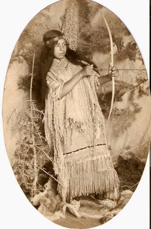 Североамериканская индианка (индеанка). Фото