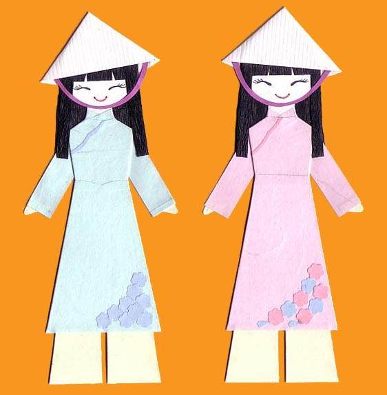 Вьетнамские девушки в национальных костюмах
