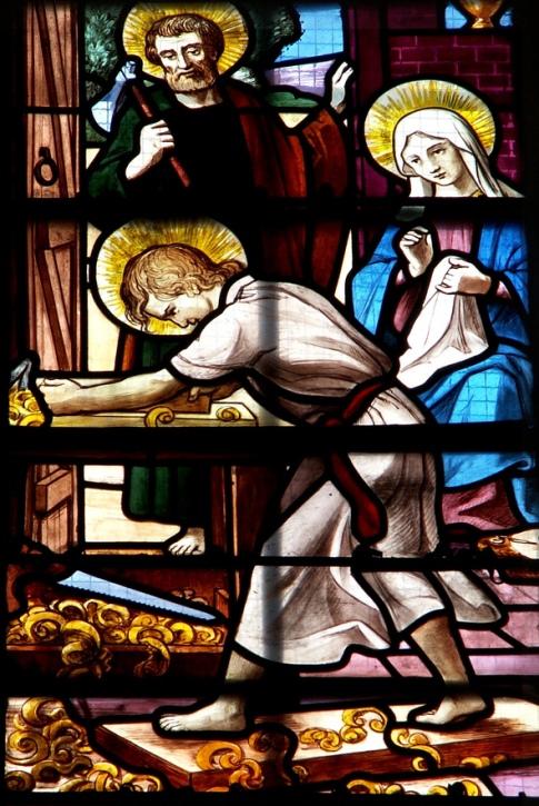 Святое семейство в мастерской Иосифа. Витраж