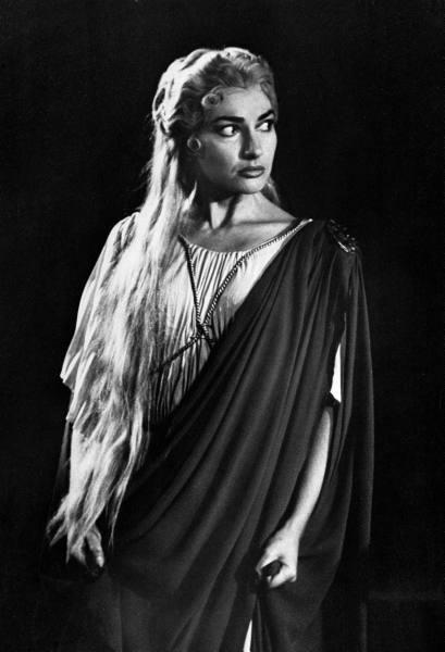 Мария Каллас в опере Винченцо Беллини Норма. Фото / Maria Callas Norma 1956 photo