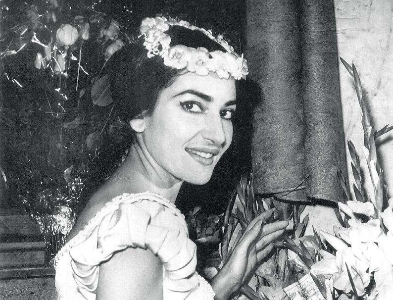 Мария Каллас в опере Винченцо Беллини Сомнамбула. Фото / Maria Callas La Sonnambula photo