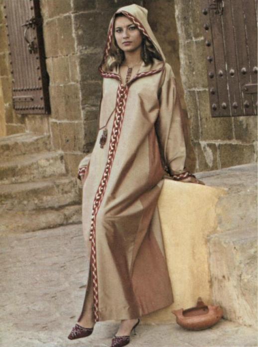 Марокканский наряд джеллаба. Фото / Djellaba photo