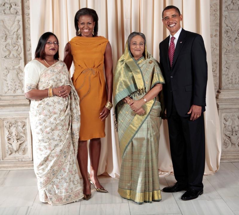 Слева направо: дочь Шейх Хасины Вазед, Мишель Обама, Шейх Хасина Вазед, Барак Обама