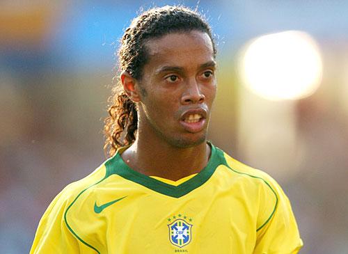 Бразильский футболист Роналдиньо (Роналдинью) фото / Ronaldinho photo