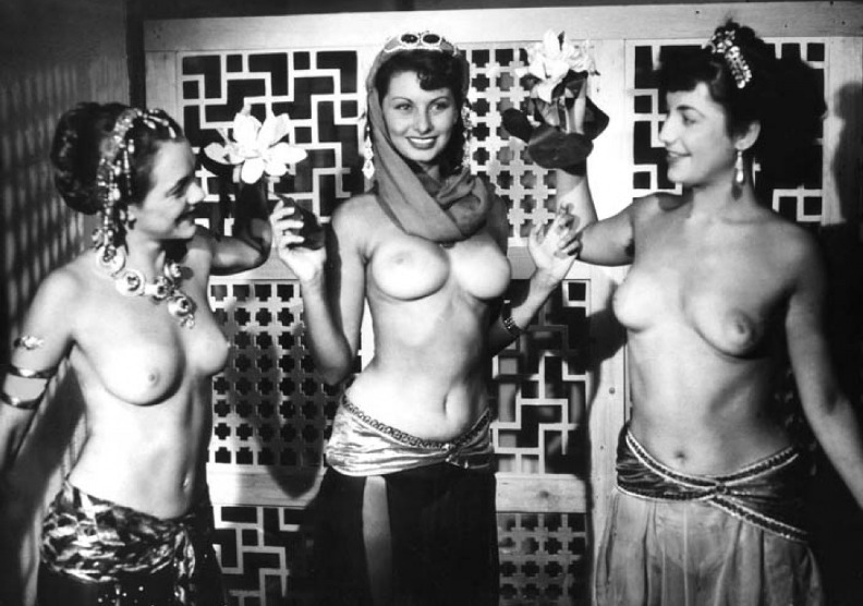 Обнажённая Софи Лорен. Фото / Sophia Loren topless. Photo