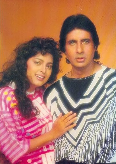 Амитабх Баччан и Джухи Чавла. Фото /  Amitabh Bachchan, Juhi Chawla. Photo