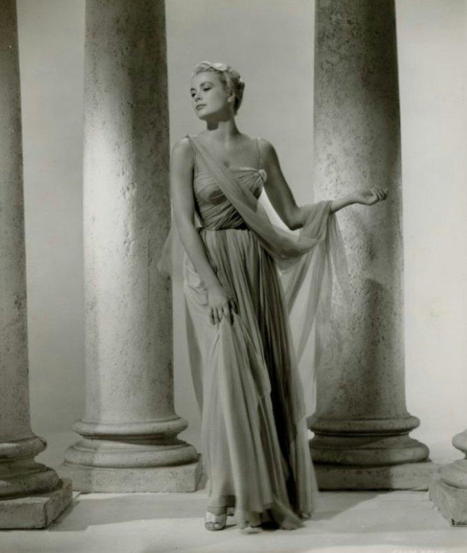 Грейс Келли в античном образе. Фото / Grace Kelly photo