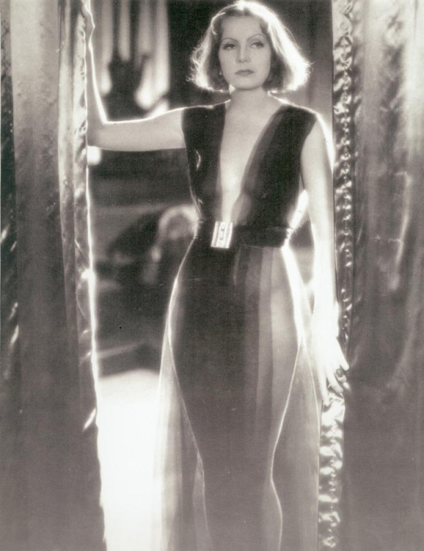 http://top-antropos.com/images/9/Greta_Garbo/Greta%20Garbo%20(1).jpg