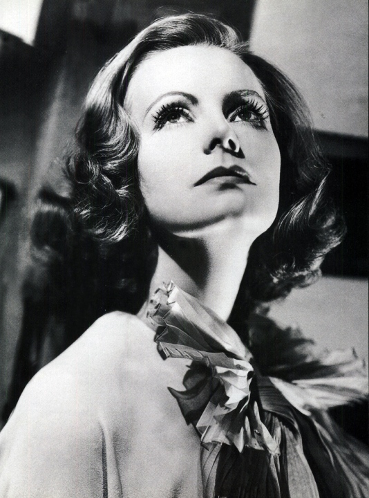 http://top-antropos.com/images/9/Greta_Garbo/Greta%20Garbo%20(12).jpg