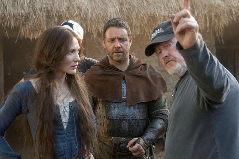 Кейт Бланшетт, Рассел Кроу и Ридли Скотт во время съёмок фильма «Робин Гуд». Фото