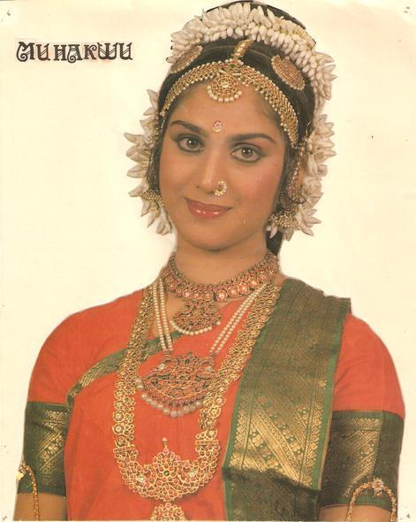 Meenakshi Sheshadri - Wallpaper Actress