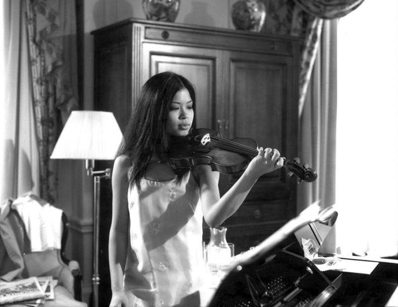 Ванесса Мэй со скрипкой. Фото / Vanessa-Mae with violin. Photo